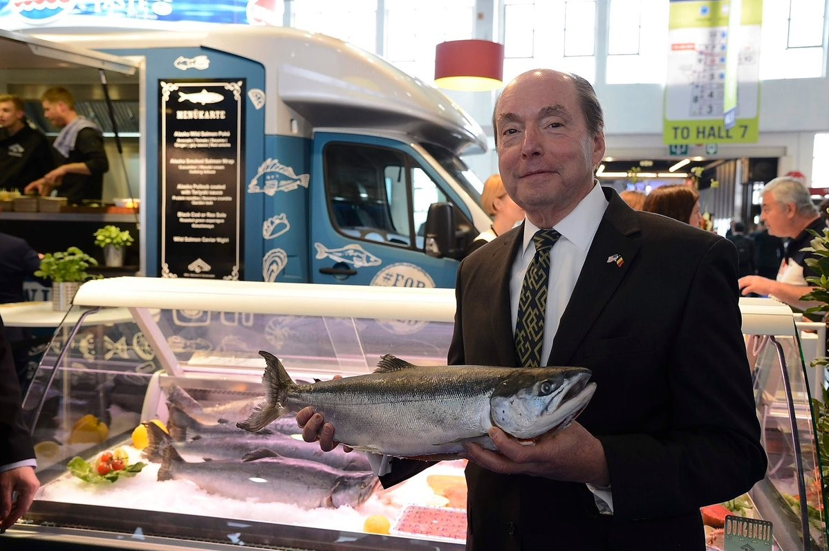U.S. Ambassador to the Kingdom of Belgium Ronald Gidwitz visits with exhibitors in the USA Pavilion on opening day of Seafood Expo Global 2019.