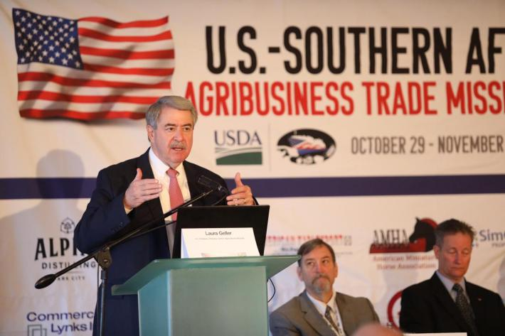 Under Secretary Ted McKinney welcomes the U.S. delegation to the Southern Africa trade mission.