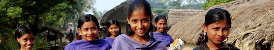 Photo of young woman in Bangladesh going to school.  Photo credit: WFP/GMB Akash